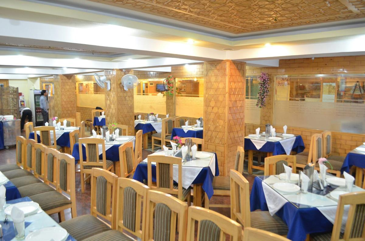Regal Palace Hotel Srinagar Restaurant