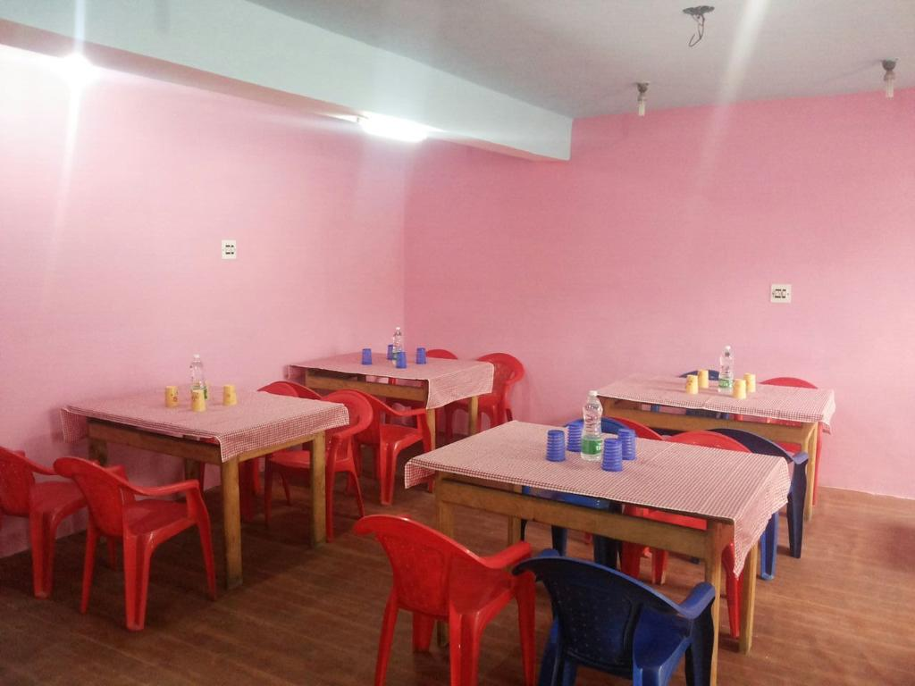 Royal Pearl Hotel Srinagar Restaurant