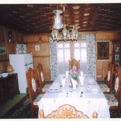 Houseboat Srinagar Tariff Houseboat Amina Group Srinagar
