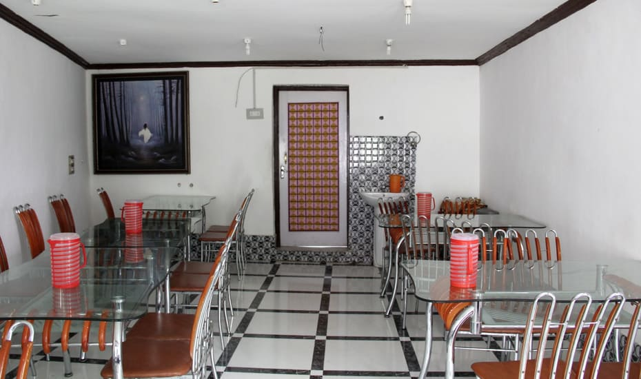Care Hotel Srinagar Restaurant