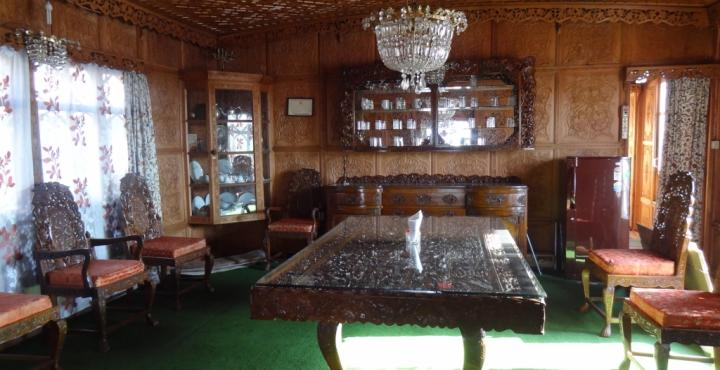RIE Heritage Group Of Houseboat Srinagar Restaurant