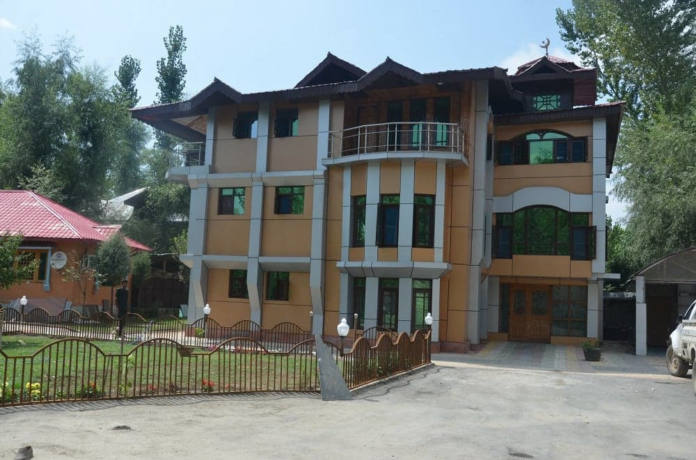 Barzam Resort Srinagar