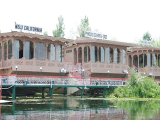 California Houseboats Srinagar