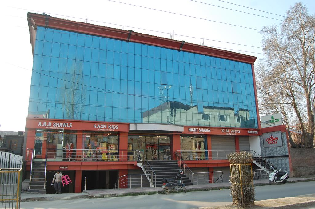 Crown Plaza Residency Hotel Srinagar
