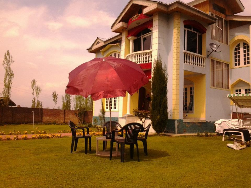 Family Run Guest House Srinagar