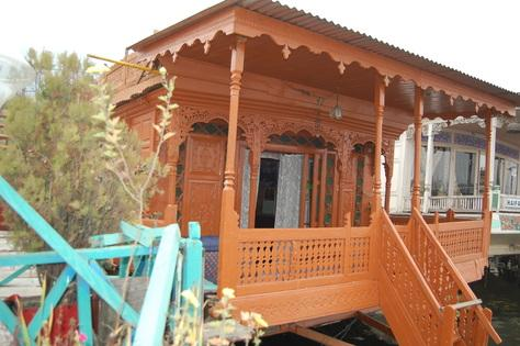 Hanief Group Of Houseboat Srinagar