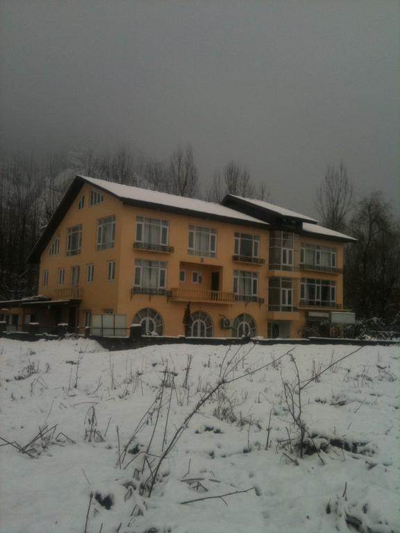 Lake Avenue Hotel Srinagar