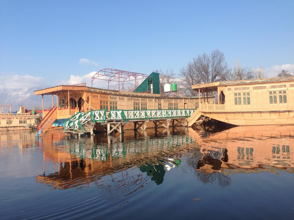 Little Majestic Group Of Houseboat Srinagar