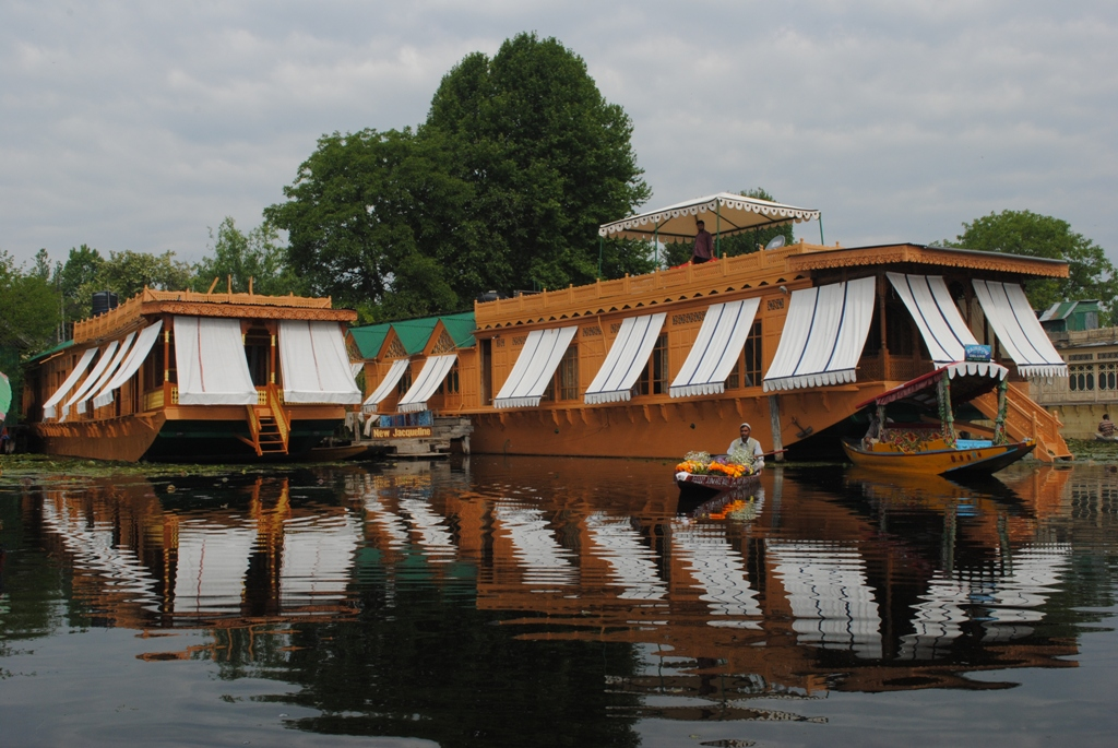 New Jacquline Houseboats Srinagar