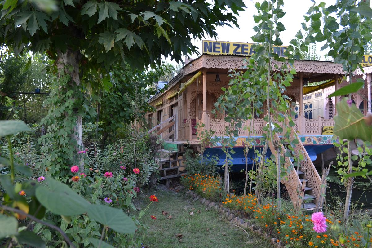 New Zealand Houseboat Srinagar