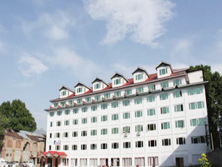 Pamposh Hotel Srinagar