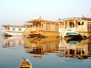 Real Paradise Houseboat Srinagar