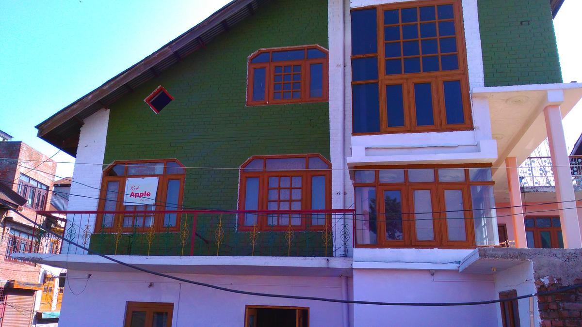 Red Apple Guest House Srinagar