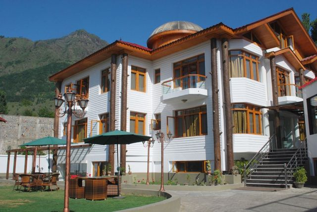 Royal Khazir Hotel Srinagar