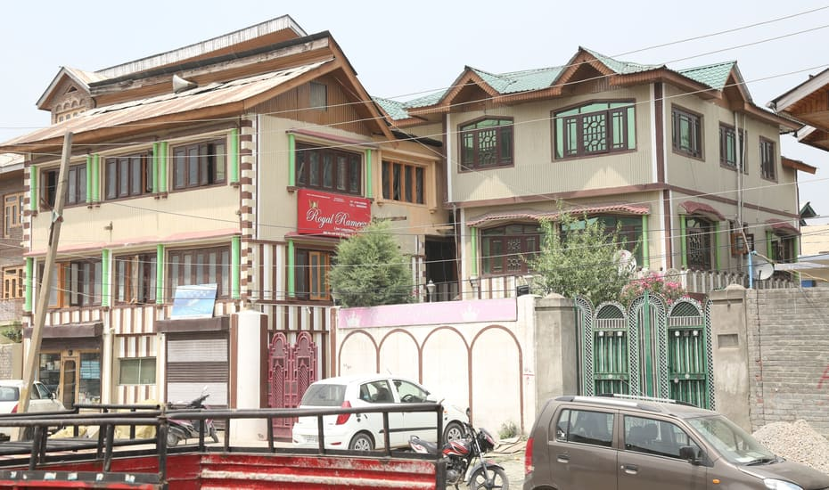 Royal Rameez Hotel Srinagar
